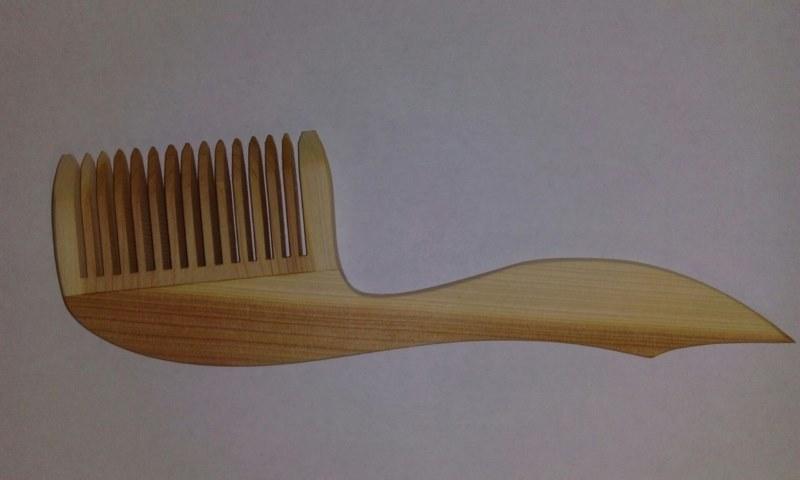 Расческа для волос из можжевельника