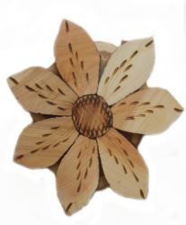 Подставка из дерева - цветок D 10 cm